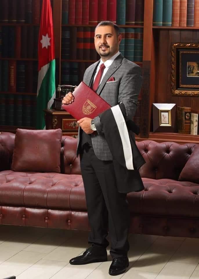 الاستاذ ثامر احمد العجارمه مبروك الماجستير