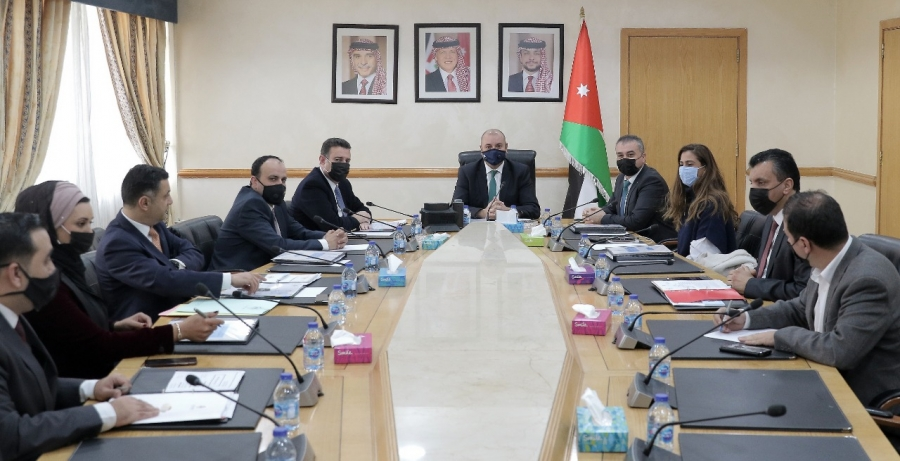 العودات يترأس اجتماعاً للمكتب الدائم في مجلس النواب