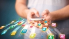 ظواهر غير أخلاقية عبر تطبيقات التواصل ٠٠ من يقرع الجرس