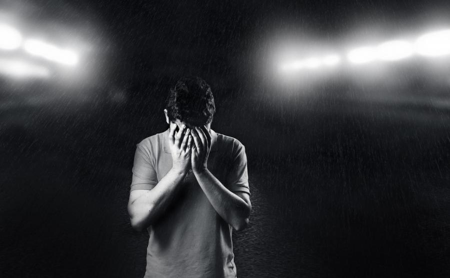 اضطراب الهوية التفككي.. الأسباب والأعراض والعلاج