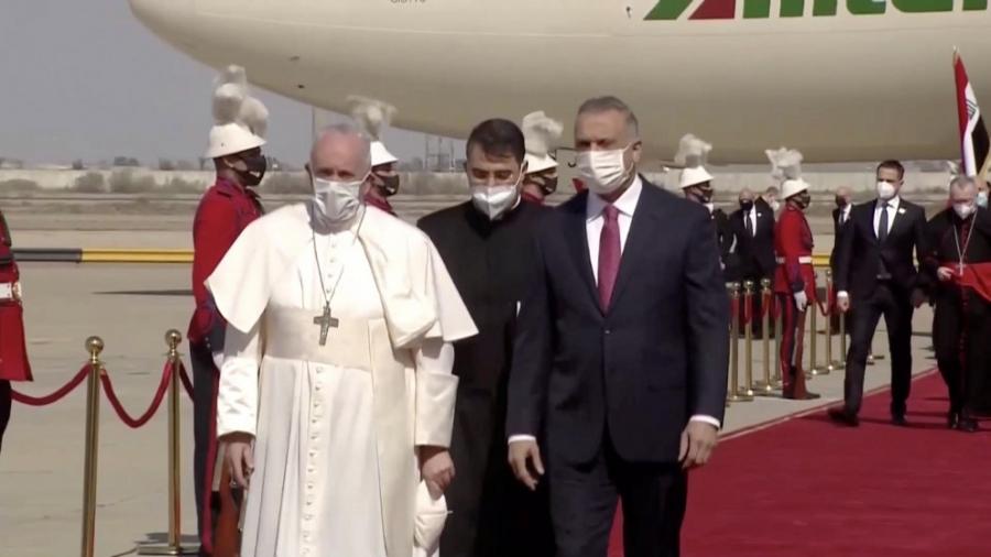 البابا فرنسيس يصل الى بغداد