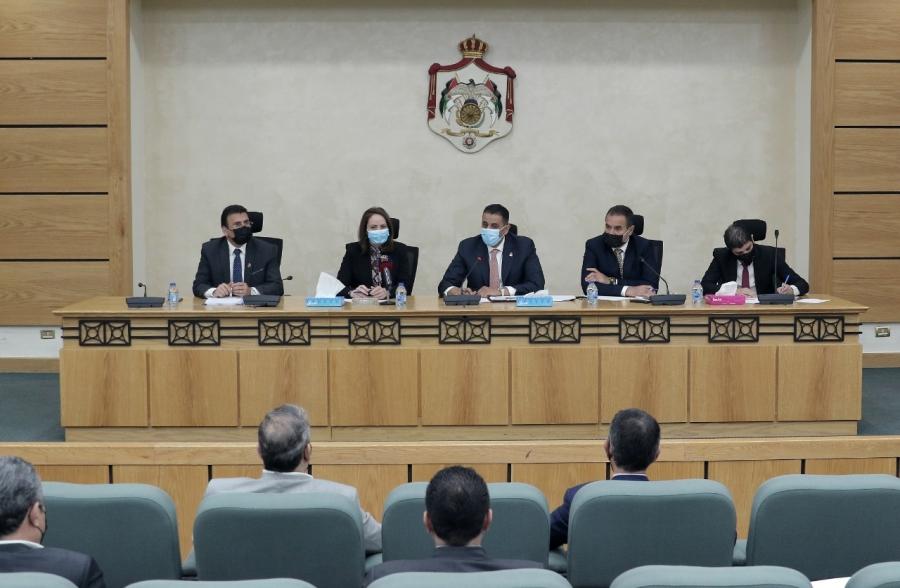 الاقتصادية النيابية ترفض قبول أي قانون لا يمثل جميع الفئات أو القطاعات