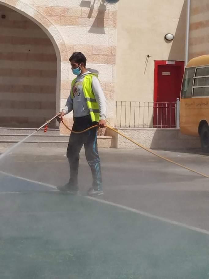 حملة لمكافحة الحشرات بالتضبيب البارد في عدد من مناطق مدينة الزرقاء