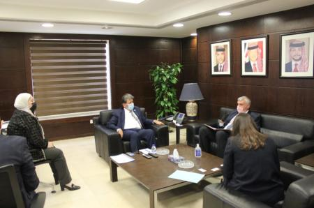 وزير النقل يؤكد أهمية تعزيز الشراكة مع بلغاريا في مجال النقل