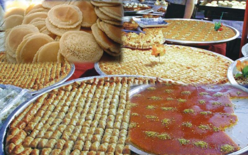 الغاء حظر الجمعة ينشط عمل المطاعم ومحال الحلويات