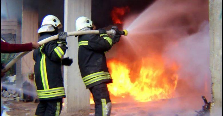 اخماد حريق منزل في عنجرة