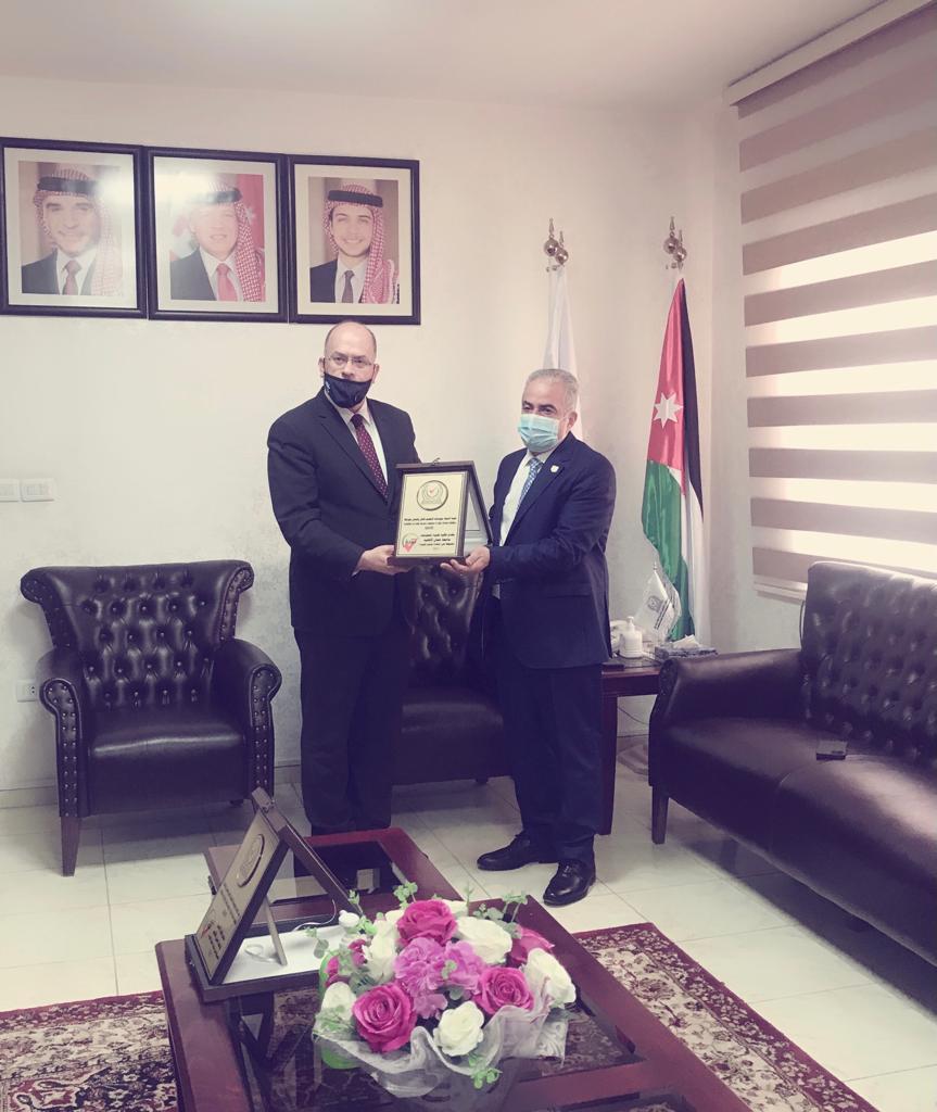 شهادة الجودة لعدد من كليات جامعة عمان الأهلية