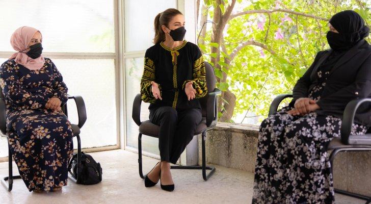 الملكة رانيا تلتقي عدداً من أصحاب المشاريع المدرة للدخل