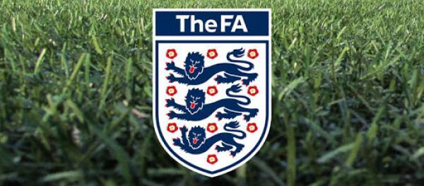 اتحاد الكرة الإنجليزي يطالب بتشريعات توقف العنصرية بمواقع التواصل