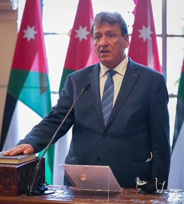 وزير النقل والسفير المصري يؤكدان ضرورة تعزيز حركة النقل بين البلدين