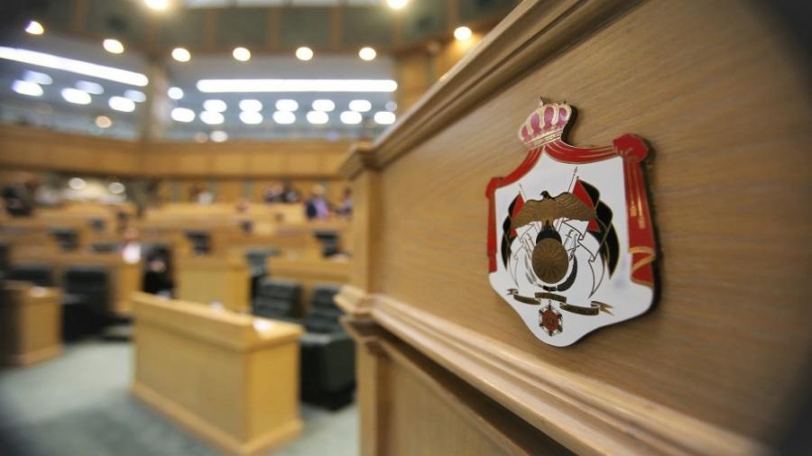النواب ينتصر للحريات الصحفية عبر رفض تجريم نشر الأخبار الكاذبة حول الفساد