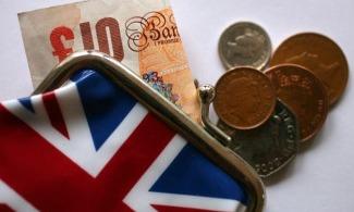 تسارع وتيرة نمو الاقتصاد البريطاني في نيسان مع تخفيف قيود كورونا