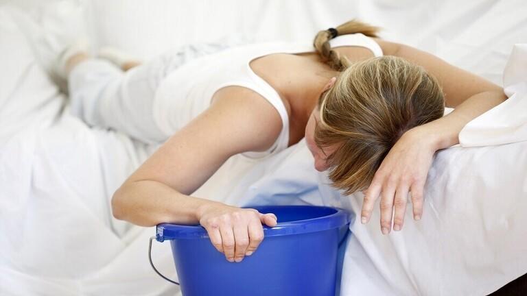 7 أسباب للشعور بالغثيان بعد الأكل