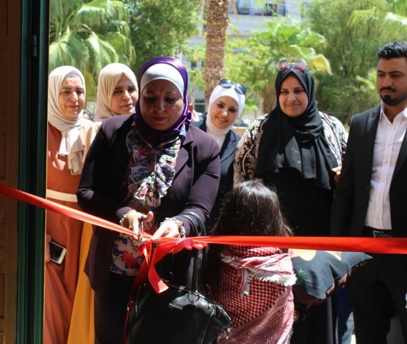 الأسرة النيابية تفتتح بازارا خيريا بالعقبة