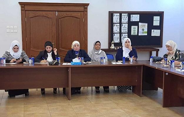 الأسرة النيابية تزور مركز الأميرة بسمة ومركز شابات العقبة