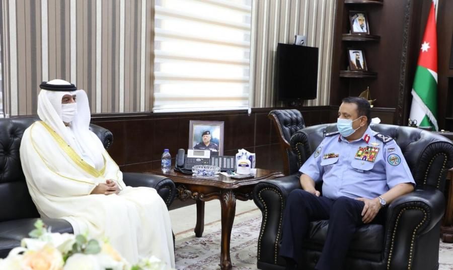 مدير الأمن العام يلتقي السفير الإماراتي