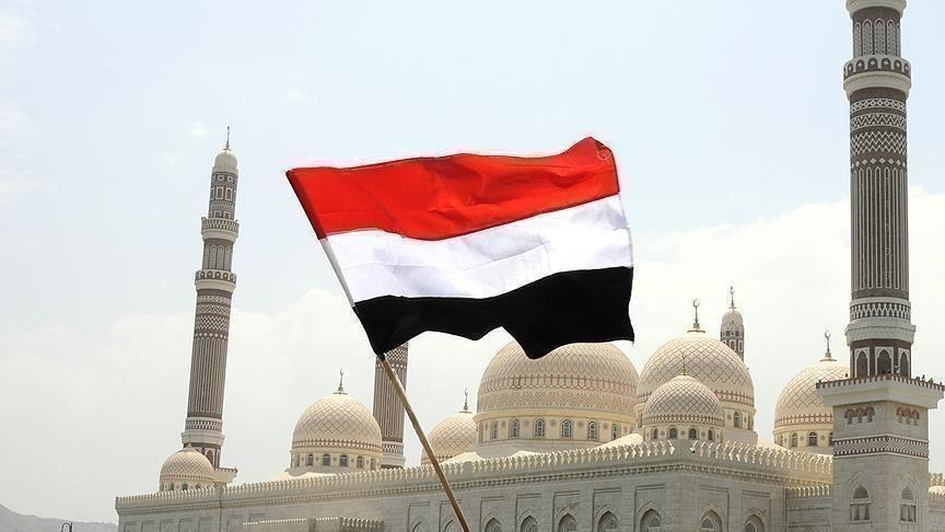اليمن.. رئيس الحكومة يحذر من انهيار كامل للاقتصاد