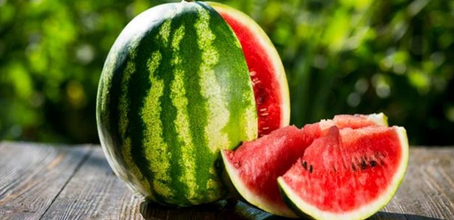 رغم فوائده العديدة.. لا تتناول البطيخ إذا كنت تعاني من هذه الأمراض