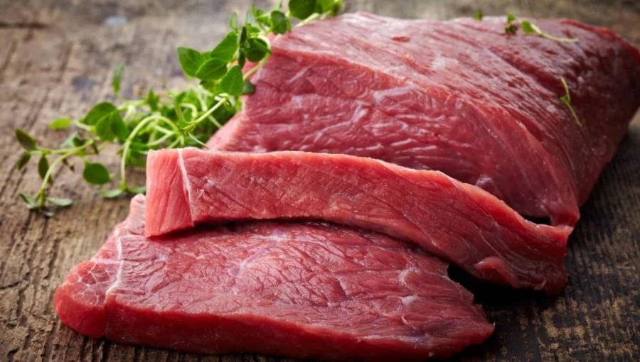 مخاطر الإكثار من تناول اللحوم الحمراء