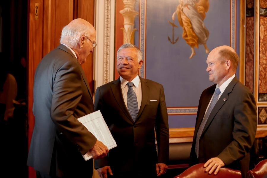 الملك يلتقي أبرز لجان مجلس الشيوخ الأمريكي