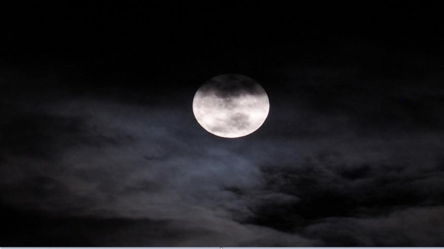 ماذا سيحدث للحياة على الأرض إذا اختفى القمر