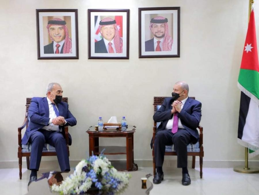 العودات يلتقي مدير عام المؤسسة الاقتصادية والاجتماعية للمتقاعدين العسكريين