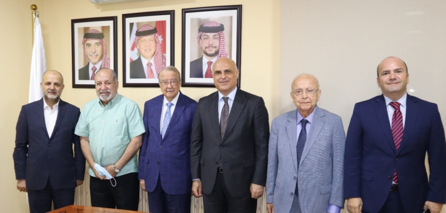 بحث تعزيز علاقات الأردن الاقتصادية مع اذربيجان