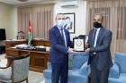 تكريم المعلم ماجد حامد لتأهله للمرحلة النهائية لجائزة محمد بن زايد لأفضل معلم