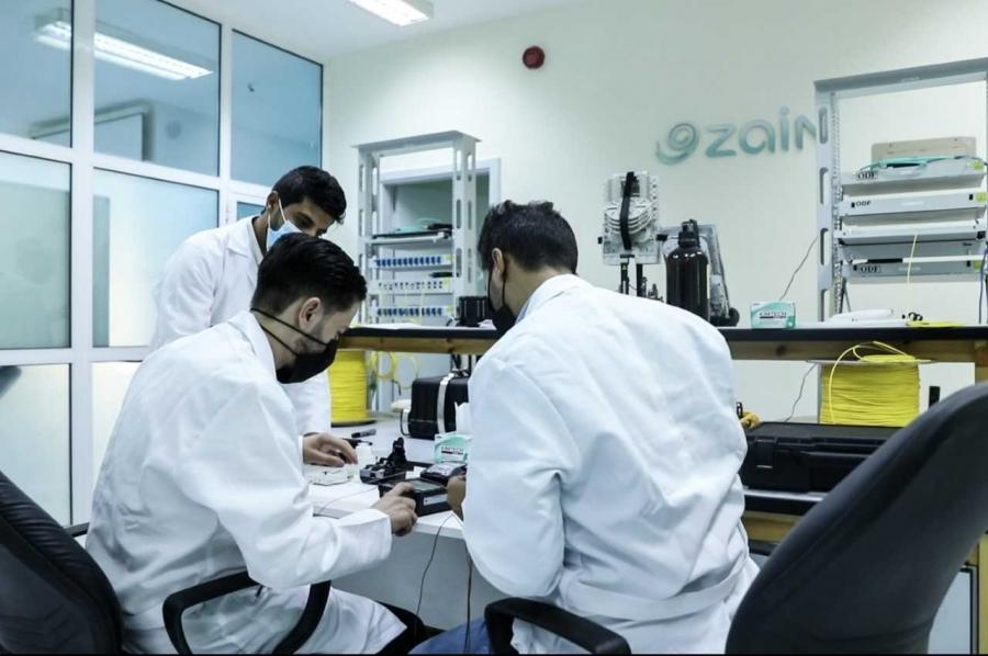 اختتام أولى الدورات التدريبية على تكنولوجيا الفايبر في مركز زين