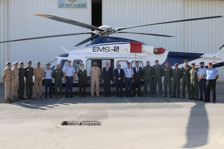 وزير الصحة يزور مركز الإسعاف الجوي الأردني