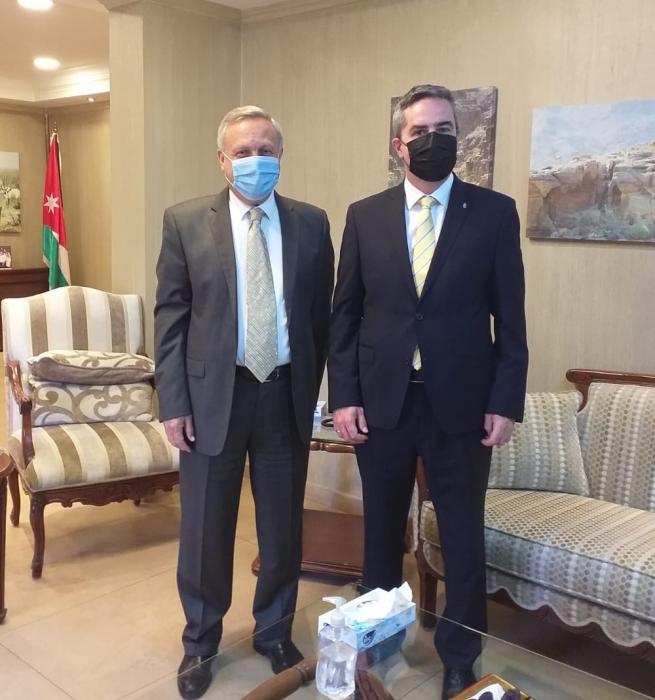 وزير البيئة يلتقي سفير هنغاريا لدى المملكة