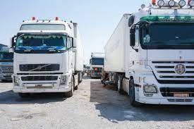 مطالبة بإلغاء الرسوم الجمركية على الشاحنات الأردنية والسورية