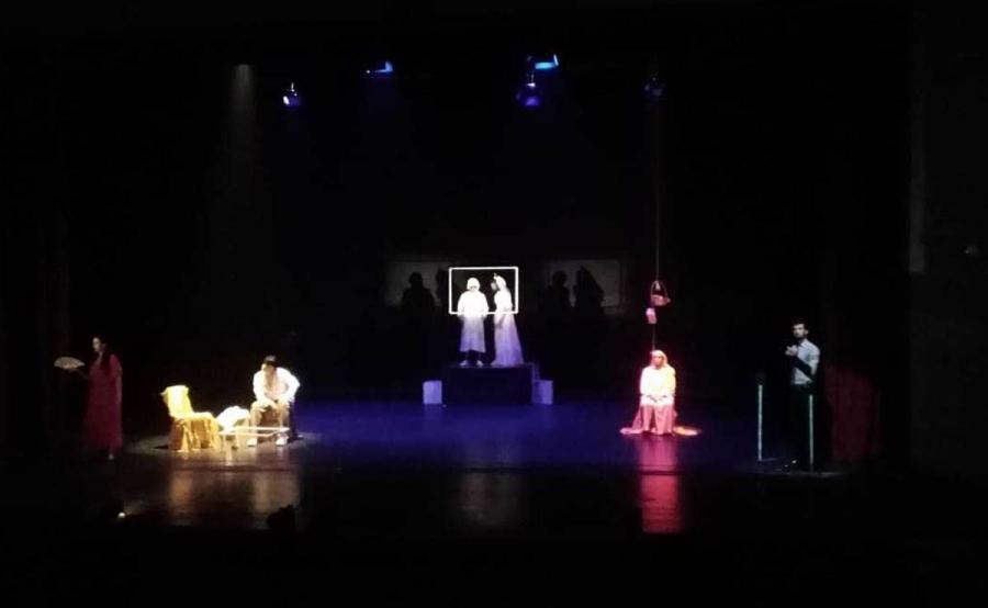 الزرقاء عرض المسرحية المغربية ستة في ستة