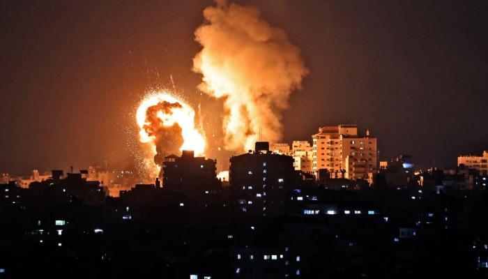 تحذير من المخاطر الصحية نتيجة القصف الاسرائيلي لمستودع مبيدات في غزة