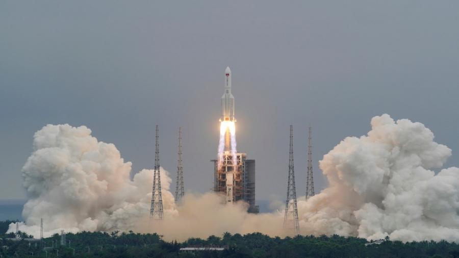 الصين تطلق سفينة شحن فضائية