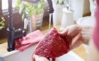 دراسة حديثة تفجر مفاجأة بشأن غسل اللحوم النيئة