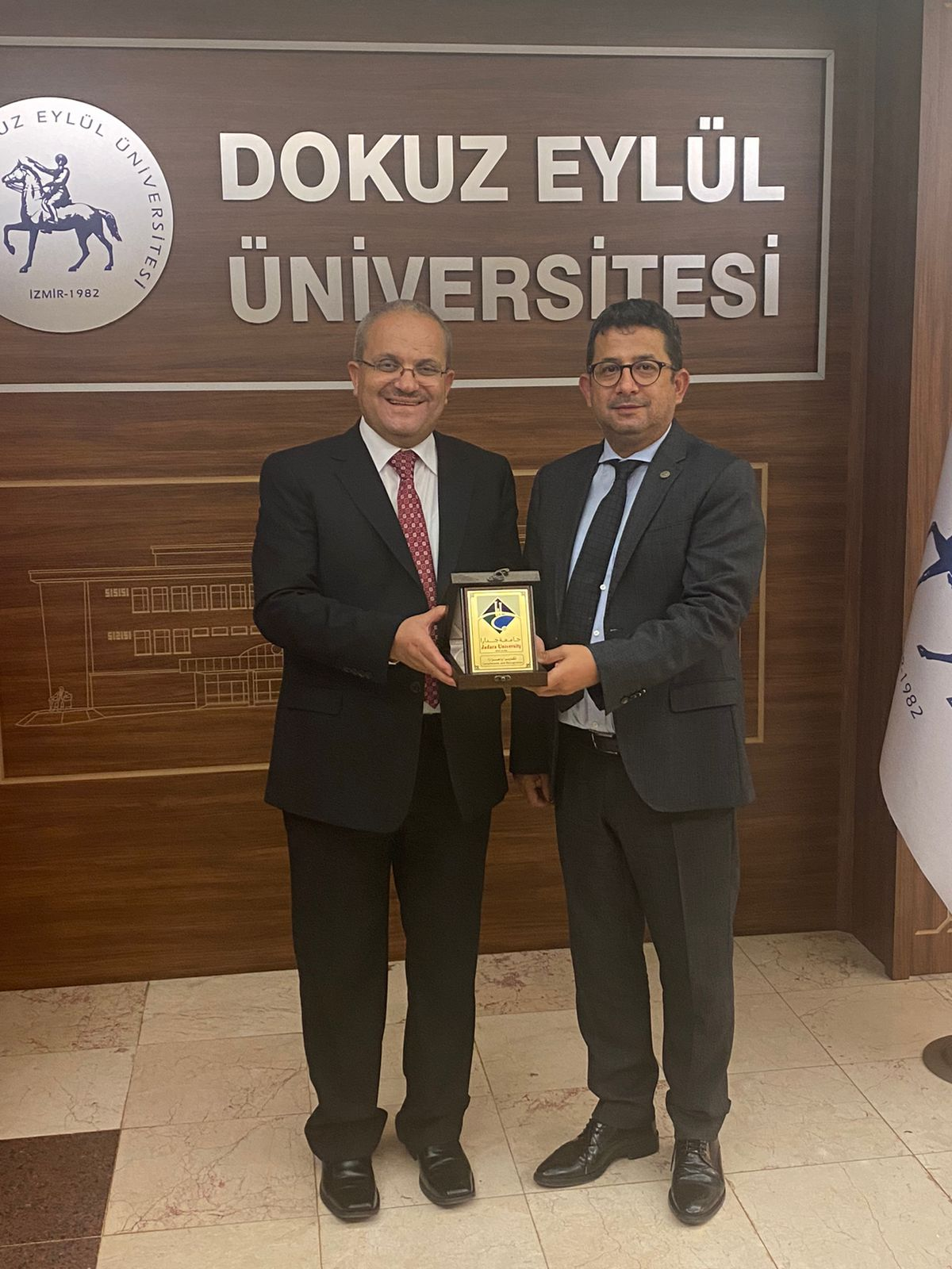 جامعة جدارا توقع مذكرة تفاهم مع جامعة دوكوز ايلول في إزمير التركية