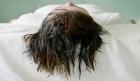 هل النوم بشعر مبلل يسبب المرض