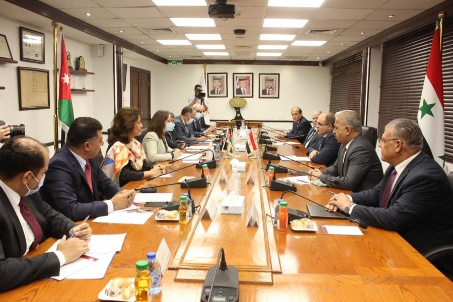 بدء اجتماعات وزارية أردنية سورية موسعة في عمان لتعزيز التعاون في عدة مجالات
