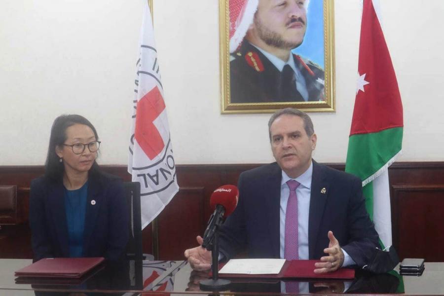 الصحة توقع خطاب نوايا مع الهلال والصليب الأحمر لدعم فرق التطعيم المتنقلة