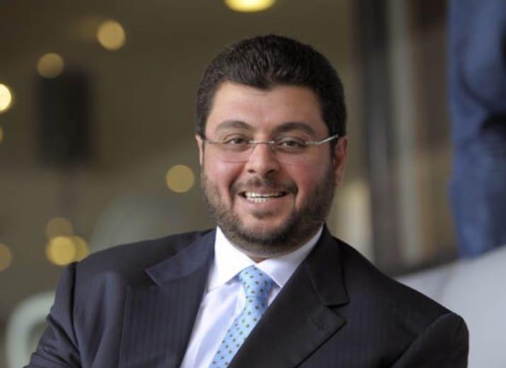 -رجل الأعمال حسن إسميك يتكفل بنفقة عدد من طلبة جامعة آل البيت الخريجين