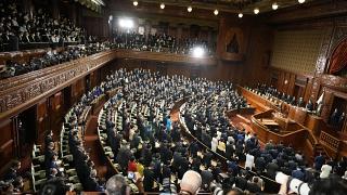 رئيس الوزراء الياباني يحل البرلمان تمهيدًا لإجراء انتخابات عامة